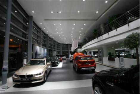闵行区华翔路的德宝宝马4s店是一家专业的大规模4s店,专营高档宝马车.